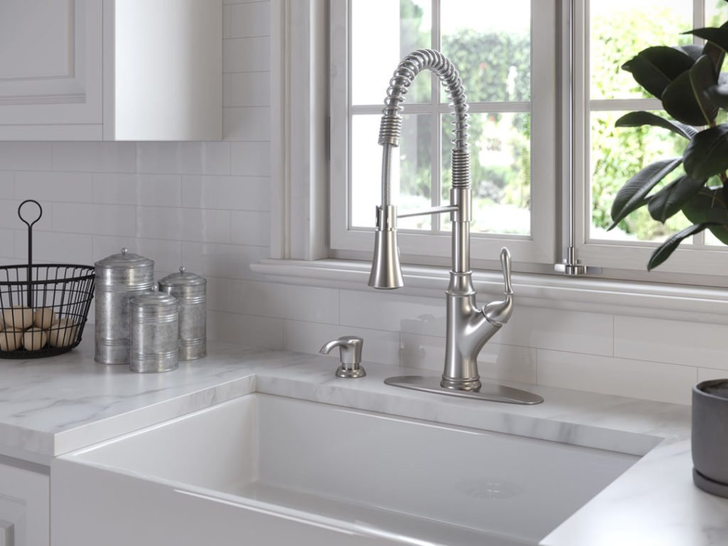 Best Commercial/Fusion Style Faucet Buying Guide