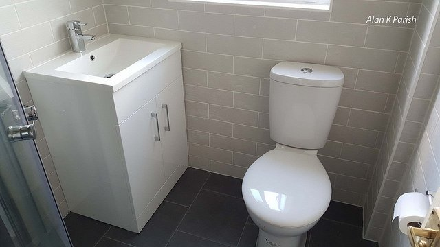 Best Compact Toilets for Small Bathrooms In 2021 – Top 8 Rated Reviews