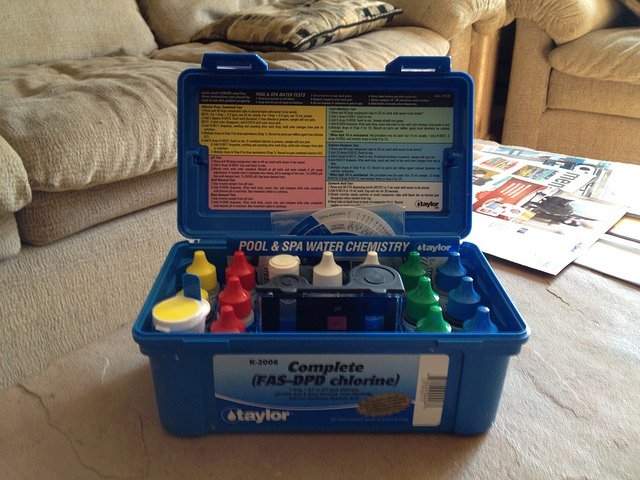 Advantages of Using a Swimming Pool Test Kit