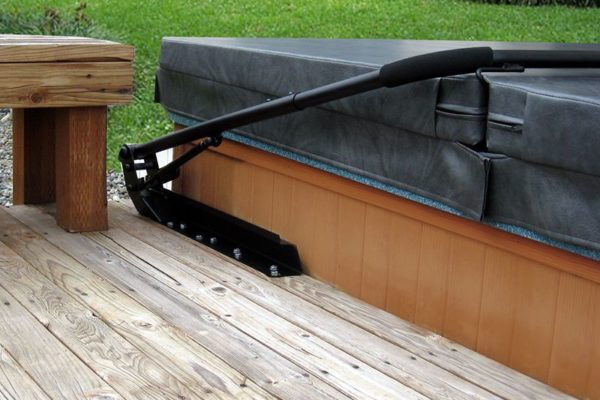 Top 8 Best Hot Tub Cover Lifts Of 2019 Reviews